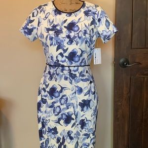 Beautiful floral dress-New!
